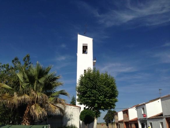 教会のモダンな鐘楼