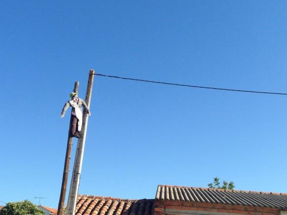 吊るし上げられたスペインの悪い政治家の人形