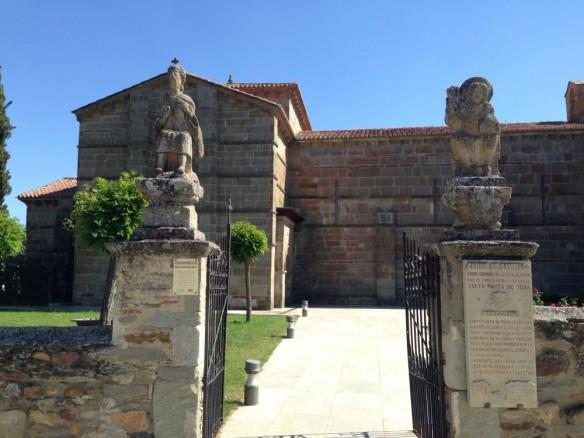 サンタ・マルタ教会の門