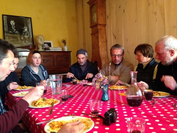 ビオジットの夕食、山盛りのパスタ